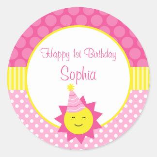 1r cumpleaños personalizado del lunar rosado de la pegatina redonda