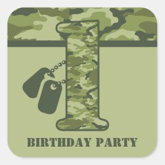 1r cumpleaños verde de Camo Pegatina Cuadrada