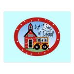 1r Día de camisetas y de regalos de la escuela Tarjetas Postales