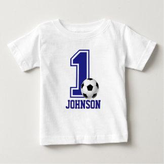 1r Fútbol del muchacho del cumpleaños, fútbol Playera Para Bebé