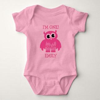 1r mono del cumpleaños del búho rosado para la mameluco de bebé