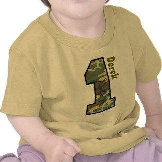 1r Muchacho Camo del cumpleaños un nombre de encar Camiseta