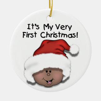 1r ornamento del navidad del bebé afroamericano adorno redondo de cerámica