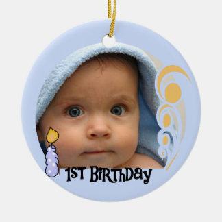 1r ornamento del recuerdo del cumpleaños de la adorno navideño redondo de cerámica