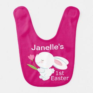 1r Pascua personalizó el babero del bebé del conej