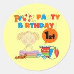 1r pegatina del cumpleaños de la fiesta en la pisc