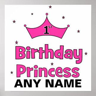 1r ¡Princesa del cumpleaños!  con la corona rosada Posters
