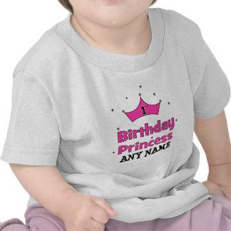 1r ¡Princesa del cumpleaños!  con la corona rosada Camisetas
