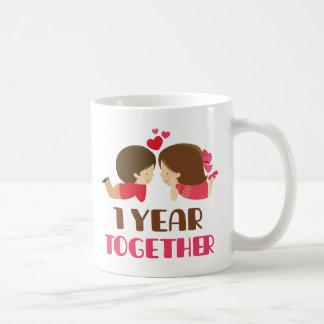 1r Regalo del aniversario para ella Tazas De Café