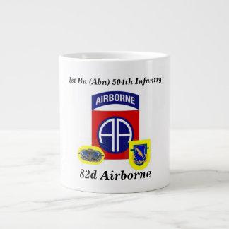 1r Taza enorme aerotransportada de los Inf 82.os d Taza Grande