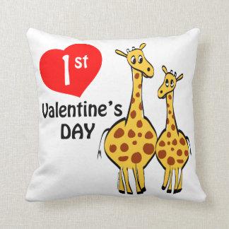 1r Tema de la jirafa del día de San Valentín Cojín