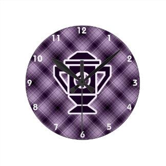 1r trofeo del lugar de la púrpura reloj redondo mediano