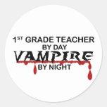 1r Vampiro del grado por noche Pegatinas Redondas