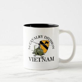1r Veterinario de Cav Vietnam Taza De Café De Dos Colores