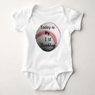 1ra camisa del bebé del cumpleaños del béisbol