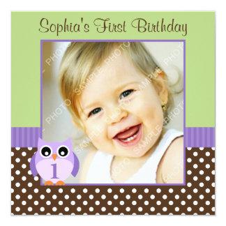 1ra foto del chica del cumpleaños del lunar verde comunicados personalizados