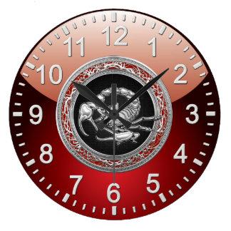 [200] Sacred Silver Scorpion on Black Clock