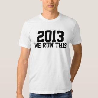 2013 corremos esto como los regalos de una clase camisas