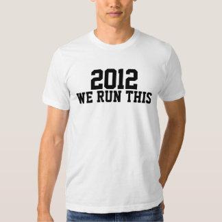 2013 corremos esto como los regalos de una clase remera