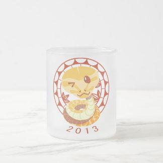 2013 el año de serpiente taza de cristal