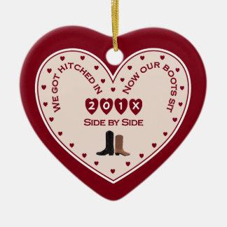 2015 nuestro 1r navidad casaron el país occidental adorno navideño de cerámica en forma de corazón