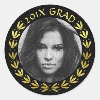 2017 Graduation Gold Laurel Wreath Class Photo Classic Round Sticker