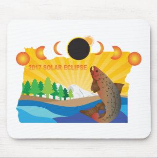 2017 Solar Eclipse Across Oregon Map Illustration Mouse Pad
