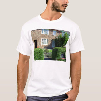 20 Forthlin Road. Childhood home of Paul McCartney T-Shirt
