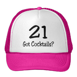 21 consiguió los cócteles gorros
