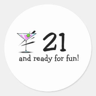 21 y aliste para la diversión Martini Pegatina Redonda