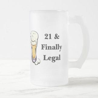 21 y finalmente legal taza de cristal