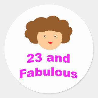 ¡23 y fabuloso! etiquetas redondas