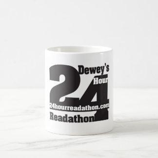24 tazas de Readathon de la hora de Dewey Taza Básica Blanca