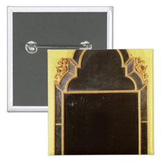 25:Queen Anne giltwood pierglass Button