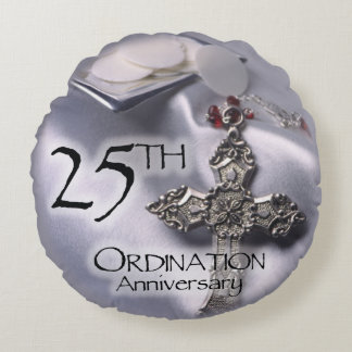 25th Ordination Anniversary Cross Host Round Pillow
