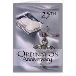 25to Anfitrión de la cruz del aniversario de la or Felicitación