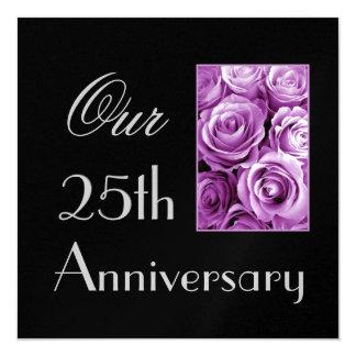 25to Invitación del aniversario - rosas PÚRPURAS