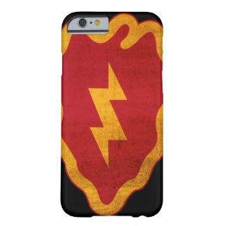 25to iPhone apenado 6 de la división de infantería Funda Barely There iPhone 6