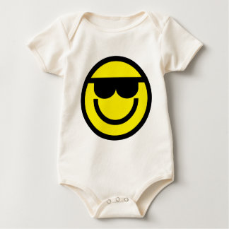 2699-Royalty-Free-Emoticon-With-Sunglasses Mameluco