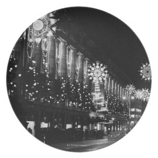 26 de noviembre de 1960: Luces de navidad de la ci Platos De Comidas