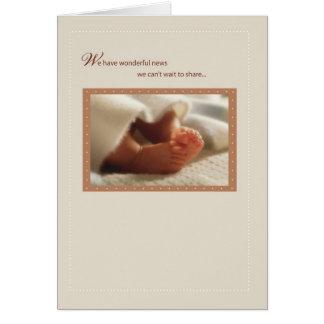 2814 pies maravillosos del bebé de las noticias tarjeta de felicitación