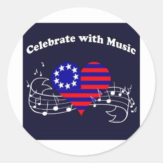 #28 celebran con música pegatina redonda