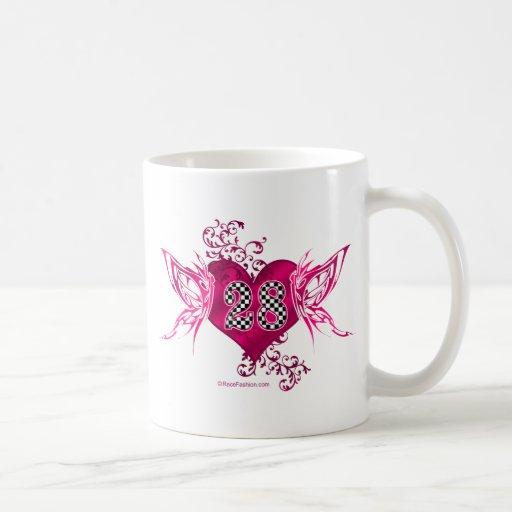 28 mariposas del número que compiten con tazas de café