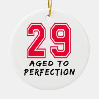 29 envejeció al diseño del cumpleaños de la perfec ornamento de navidad