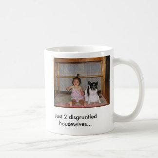 2 amas de casa contrariedades taza clásica