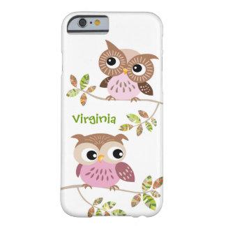 2 búhos lindos en la caja colorida del iPhone 6 de