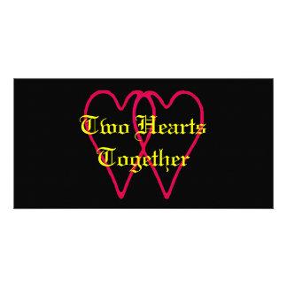 2 corazones juntos ennegrecen los regalos de tarjetas fotograficas