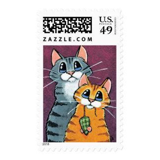 2 gatos de Tabby con el ejemplo del ratón del Timbres Postales