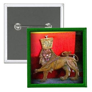 """2"""" león de la insignia de Judah Pin Cuadrado"""