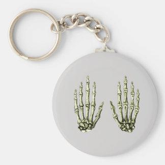 2 manos suben el bronce llavero redondo tipo pin